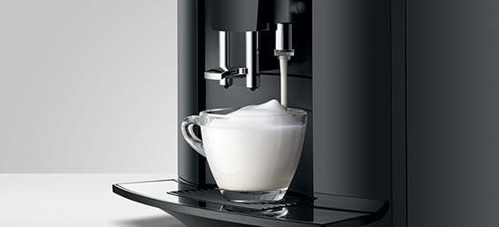 Idealne cappuccino dzięki systemowi Easy Cappuccino w ekspresie JURA D60