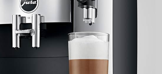 Technologia idealnie spienionego mleka i najwyższy standard higieny ekspresu Jura S8 Chrome