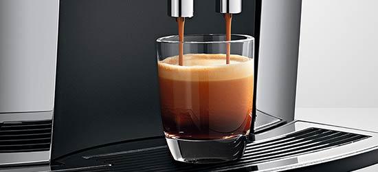 JURA S8 Chrome parzy espresso na najwyższym poziomie dzieki systemowi P.E.P.