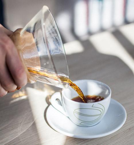Delektuj siÄ™ smakiem kawy zaparzonej w Chemexie