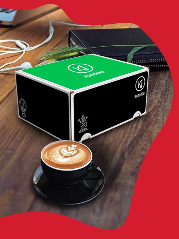 Pudełko Konesso oraz kawa