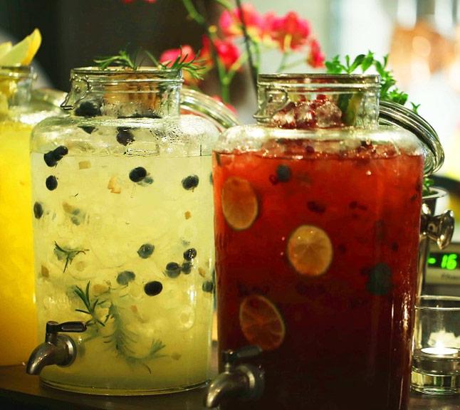 Szklany słój na lemoniadę Monin